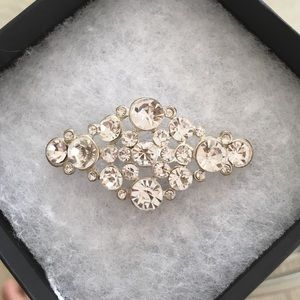 Accessories - NWOT Rhinestone 💎 brooch pin
